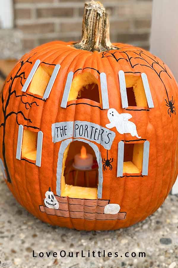 Pumpkin haunted house craft project idea.